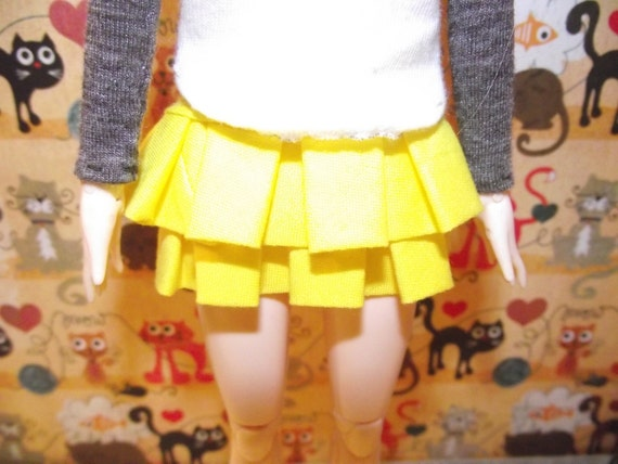 Double ruffle yellow skirt for Pullip blythe barbie