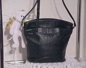 GREENIE BERNINI BUCKET BAG