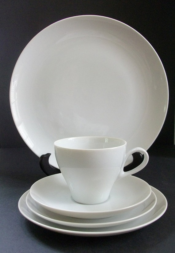 Vintage Mikasa Sophisticate White China Pat. 7290 - 5Pc. Service for 4