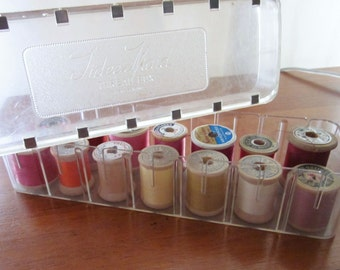 Tidee Maid Plastic Thread box with 14 Wood Spools in Bright Colors Vintage