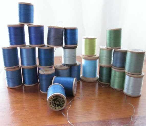 28 Wood Spools of Sewing Thread J and P Coats and Clarks Blue Green