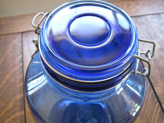 Vintage Gorgeous Cobalt Blue Mills Bakery Homestyle Brand gallon-size or 4 quart jar 1970s or 80s