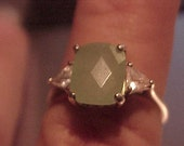 Vintage Sterling Green Ring Crystals Size 8 .5 Faceted