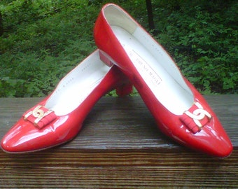 Bruno Magli Shoes Heels Red Patent Gold Logo 1980s
