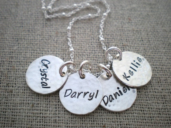 childs name necklace sted mothers necklace