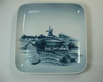 Bing and Grondahl DANISH SCENERY Square Dish/Pintray