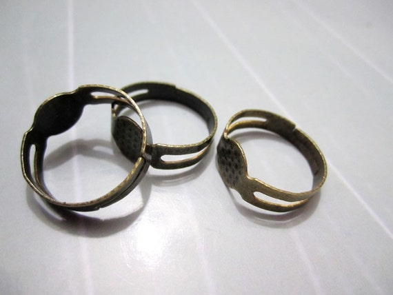 100pcs-Antique Bronze Adjustable Ring with  8mm Round Pad