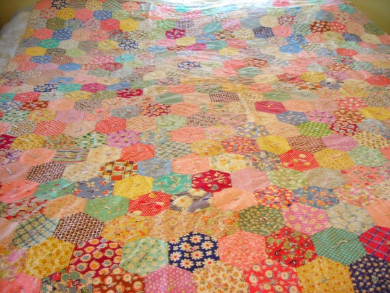 Superb Vintage Honeycomb Hexagon 1930's Quilt Colorful Fabric