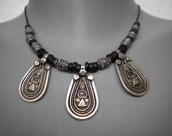 Vintage Style Metal Castings Necklace