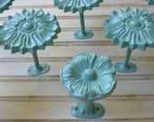Set-8 Flower Scarf Hanger Jewelry Wreath Towel Purse Hooks Wall Door Cabinet Homco Burwood Syroco Home Interiors Mid Century Mod Mad Men Era