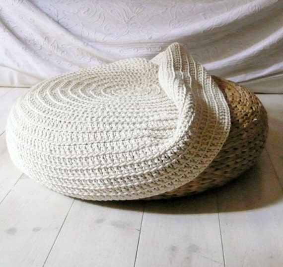Crochet stool cover - Ecru