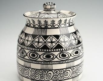 Cookie Jar, Black and White Pottery Pot, Ceramic Cookie Jar, Tall Cookie Jar, Candy Jar, Catchall Holder, Kitchen Storage, Lidded Jar