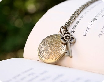 Little Secrets - Locket, Small Round, Gold Brass, Key Charm, Victorian Vintage, 18 Inch Chain