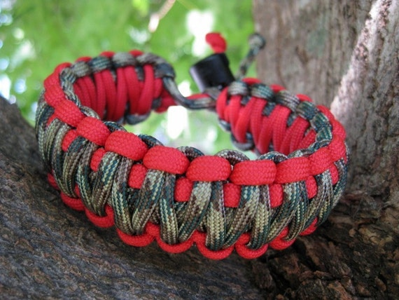 Items Similar To Adjustable King Cobra Paracord Bracelet