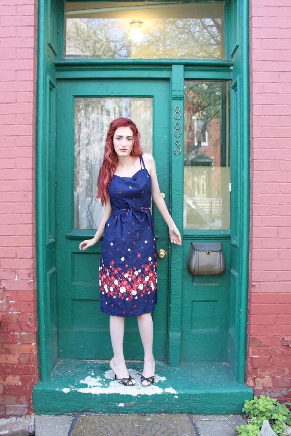 Dress 1970s Vintage 70s Navy Blue RED ROSES Floral Sun Dress L