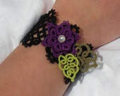 Dentelle de mon Jardin -  (Lace Cuff/Bracelet in purple & black)