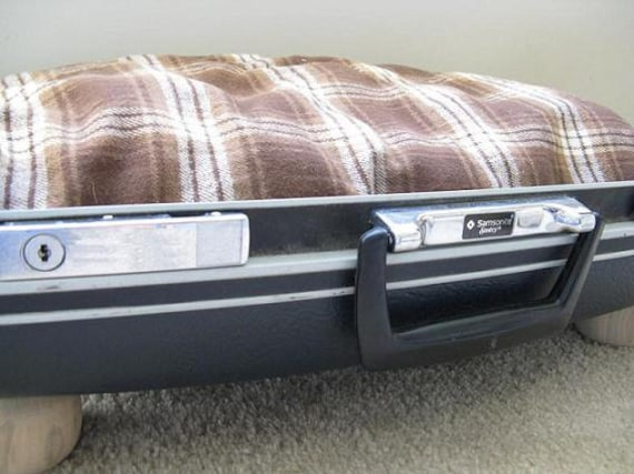 RESERVED FOR keyscountrygirl - Suitcase pet bed with FREE plaid pillow - upcycled Samsonite vintage luggage