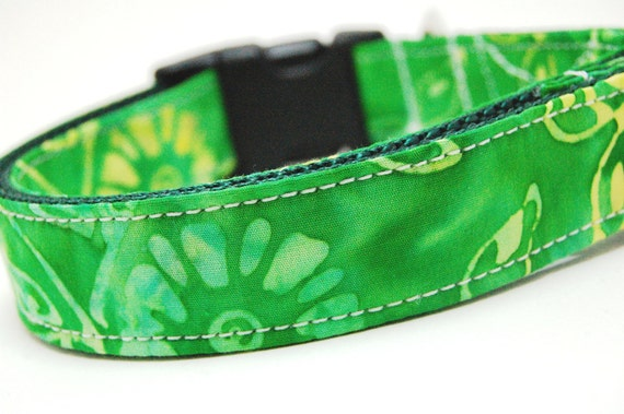 Custom Neon Green Dog Collar - Fields of Green Daisies - Green Yellow Dog Collar with Flowers