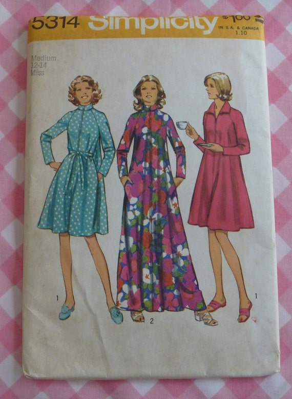 Vintage 1972 UNCUT Simplicity Pattern..5314..Misses Robe in Two Lengths-Size Medium 12-14