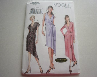 Pattern Ladies Dress 3 Styles Sizes 6-8-10 Vogue 7898