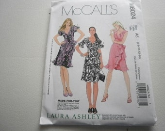 Pattern Ladies Wrap  Dress 3 Styles Sizes 6 to 14 McCalls 6024-A