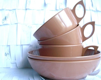 Miramar Melmac Dinnerware Set in Rose Taupe