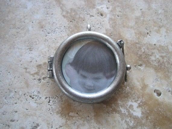 Matte Silver Glass Locket Frame