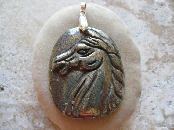 CLeaRanCe Carved Pyrite Horse Pendant Bead