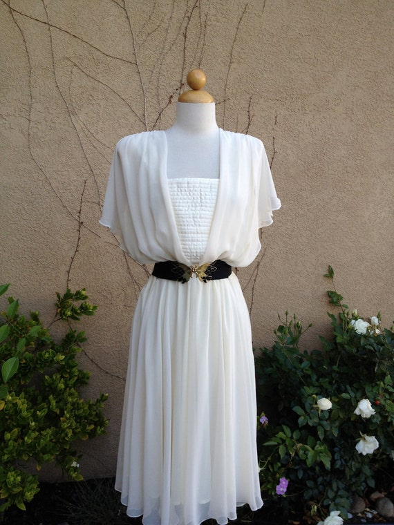 A vintage 1960s 1970s cream ivory sheer quilted ruffled sleeves goddess dress size M L