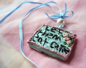 Let them eat Cake NecKlaCe
