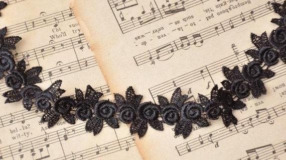 3cm black  delicate rose lace trim or applique