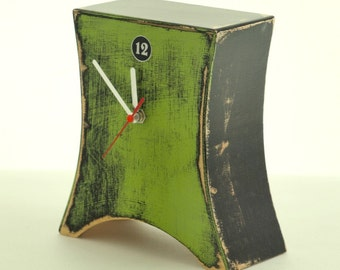 LABOR DAY SALE Wood Green Clock, Table clock, Wooden Desk Clock Fresh Green, Arrow Mantel clock, Unique gift, decor for home