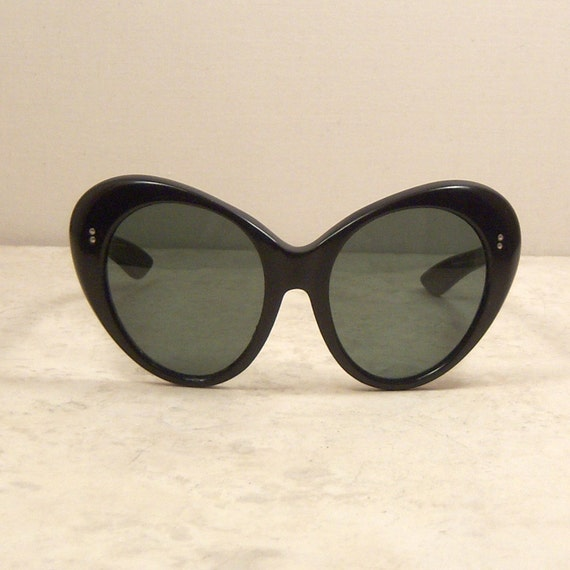 1960's Sunglasses   Mod Black Oval