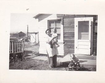 Mother and Children - Vintage Photograph (Z)