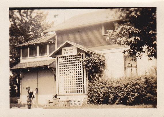 The Home Cottage Vintage Photograph (HH)