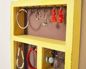 Anansi jewelry organizer