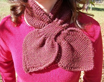 Leaf scarflet in maroon heather, hand knit