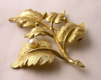 Gold tone Pin Leaves and faux pearl jewelry Beautiful Signed Charel