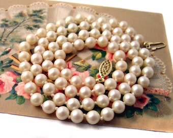 Faux Pearl Necklace marked Japan Beautiful