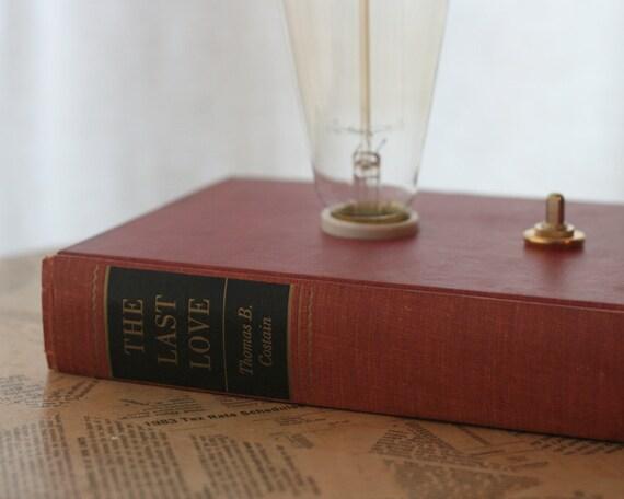 Hardback Book Lamp - The Last Love