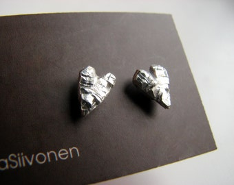 titanium earrings rough silver hearts