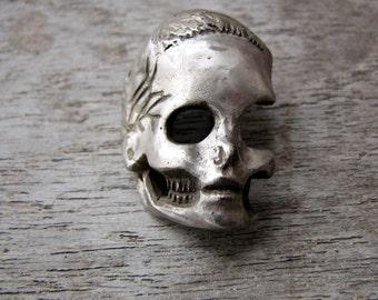 Metal skull pendant hair tie pony tail holder white bronze