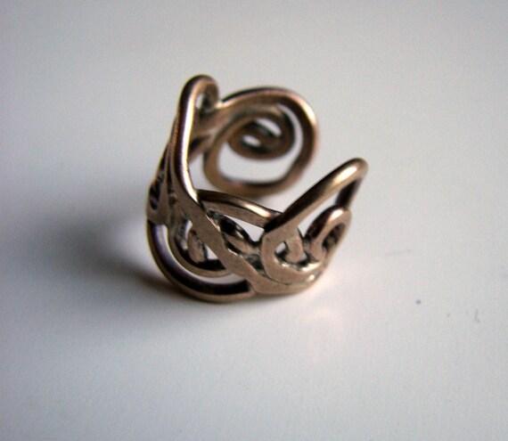 Ear cuff curvy coils