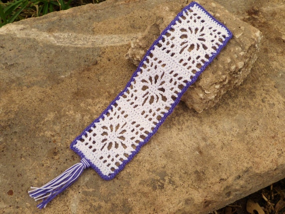 White and Purple Crocheted Flower Bookmark