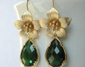 Emerald jewelry, green fashion, Flower earrings, spring jewelry, handmade italian jewelry, sale jewelry, flower jewelry