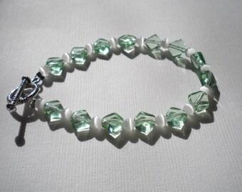 Light Green & White Bracelet - Small Wrists