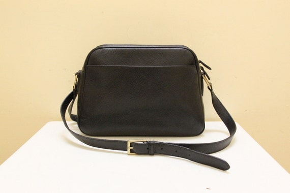 Vintage Coach Textured Full Grain Cowhide Black Color Leather Shoulder Bag // Made in Italy.