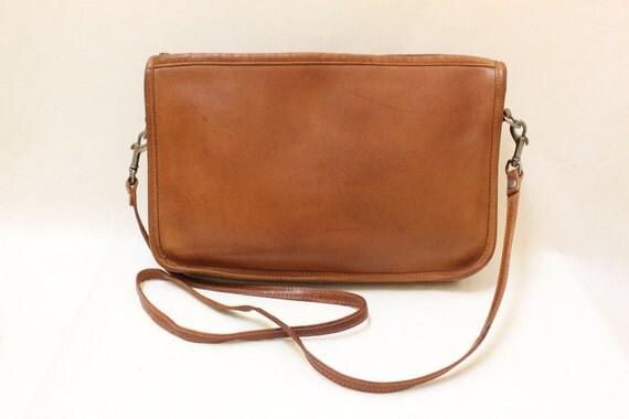 Vinrage Tan Color Soft   Leather Cross Body Shoulder Bag.