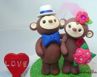 Custom Wedding Cake Topper--Monkey Love with Circle Clear Base