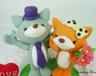 Wedding Cake Topper--Happy Fox Love with Circle Clear Base